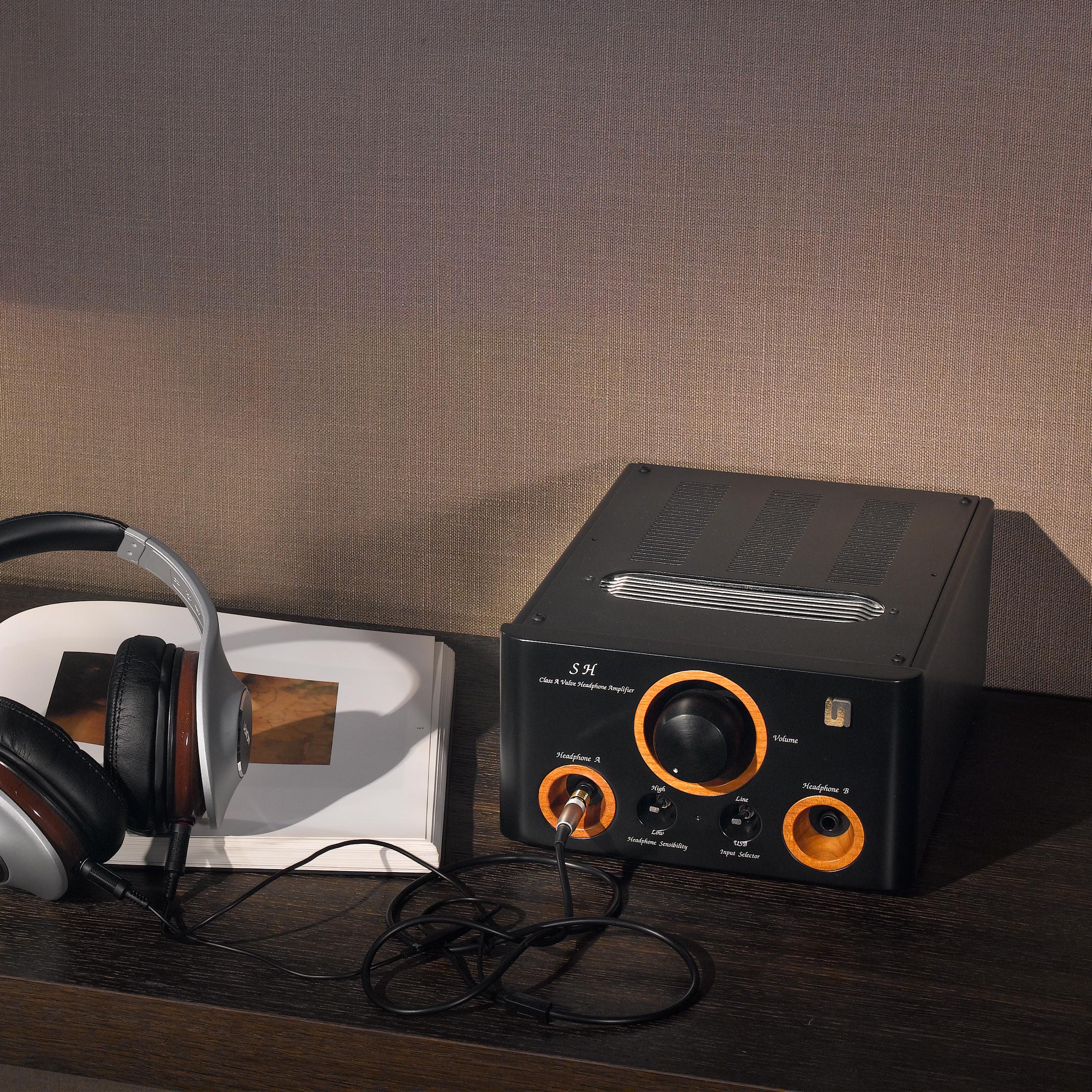 Unison Research SH Headphone Amp